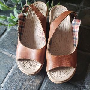 Crocs wedge sandals size 7 brown